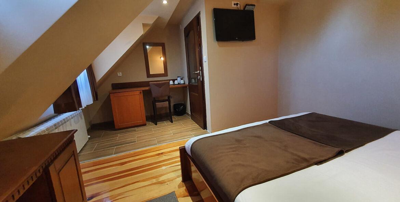 soba PREMIUM SA GALERIJOM 10 - Hotel Tara (2)
