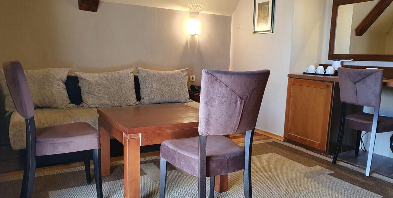 soba PREMIUM SA GALERIJOM 6 - Hotel Tara (2)