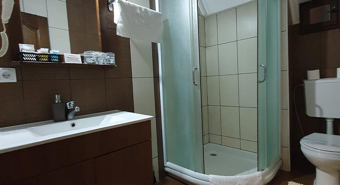 soba PREMIUM SA GALERIJOM 7 - Hotel Tara (10)