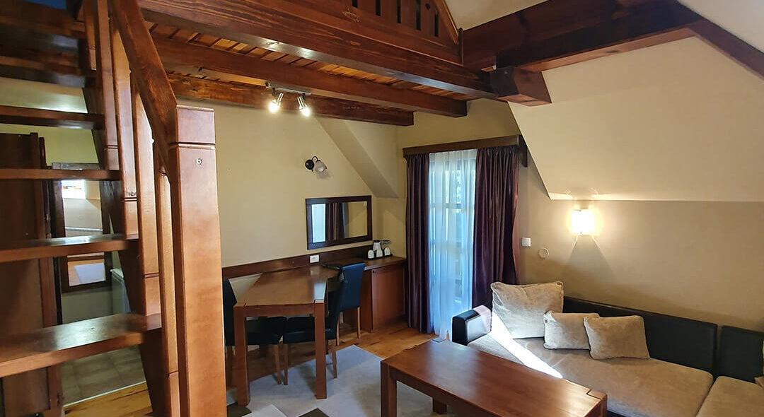 soba PREMIUM SA GALERIJOM 7 - Hotel Tara (2)