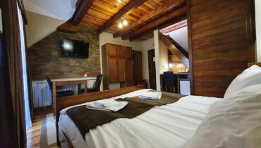 soba PREMIUM SA GALERIJOM 9 - Hotel Tara (1)