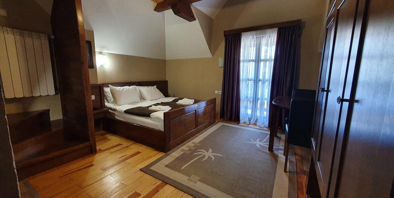 soba PREMIUM SA GALERIJOM 9 - Hotel Tara (2)